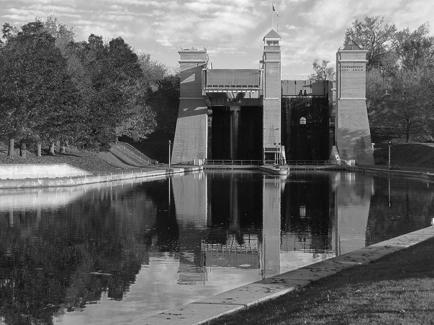 The Peterborough Lift Lock, an engineering marvel (Photo courtesy of the Trent-Severn Waterway Archives)