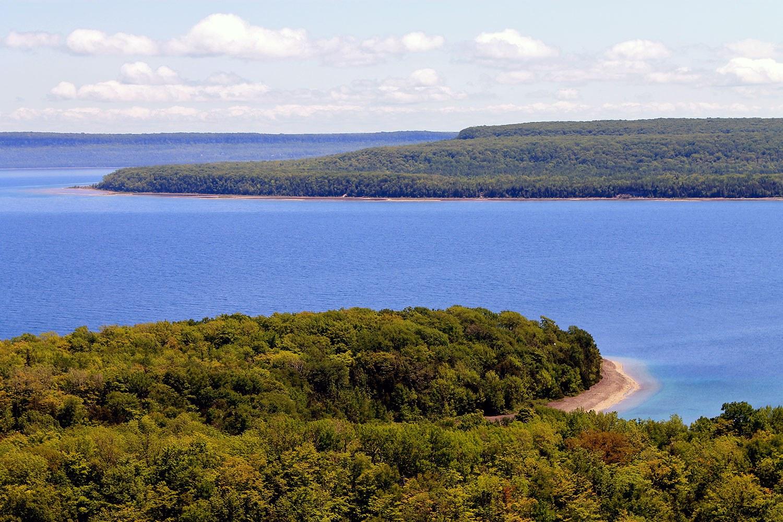 Nochemowenaing viewed from the north on top of the Niagara Escarpment.