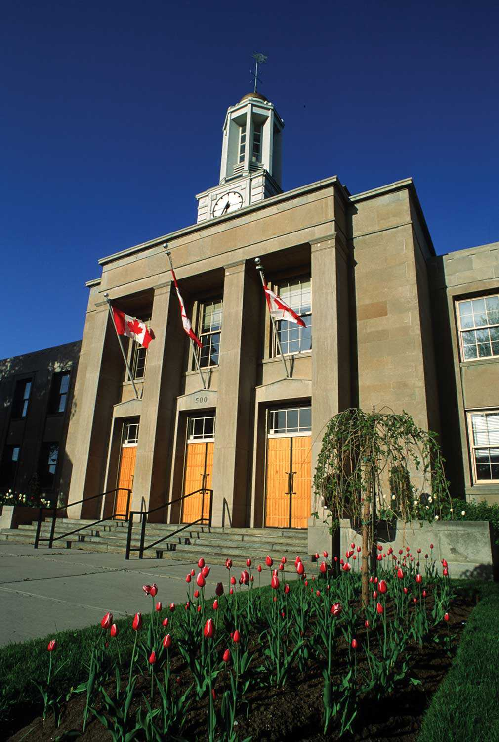 Peterborough City Hall, built in 1951 and inspired by the City Beautiful movement (Photo: Heritage Preservation Office, Arts, Culture and Heritage Division, City of Peterborough)
