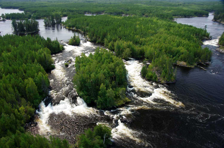 Four major rivers with numerous falls and rapids flow across the site. (Photo: Pimachiowin Aki Corporation)