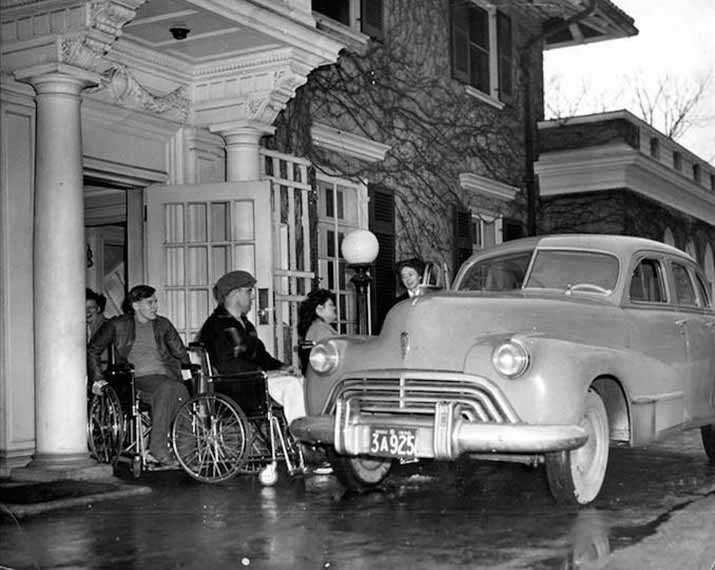 Lyndhurst Lodge, a community-based rehabilitation centre, was established to assist Canadian veterans who had suffered spinal cord injuries in the Second World War. Photo Courtesy of Spinal Cord Injury Ontario.