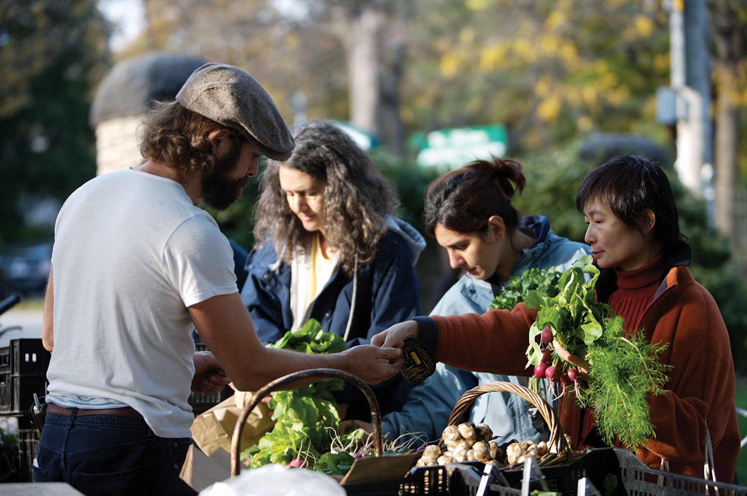 """Right across Ontario, """"Eat local"""" and """"Buy fresh Buy local"""" initiatives have been established, encouraging consumers to connect directly with local farmers. (Photo: Ontario Tourism)"""