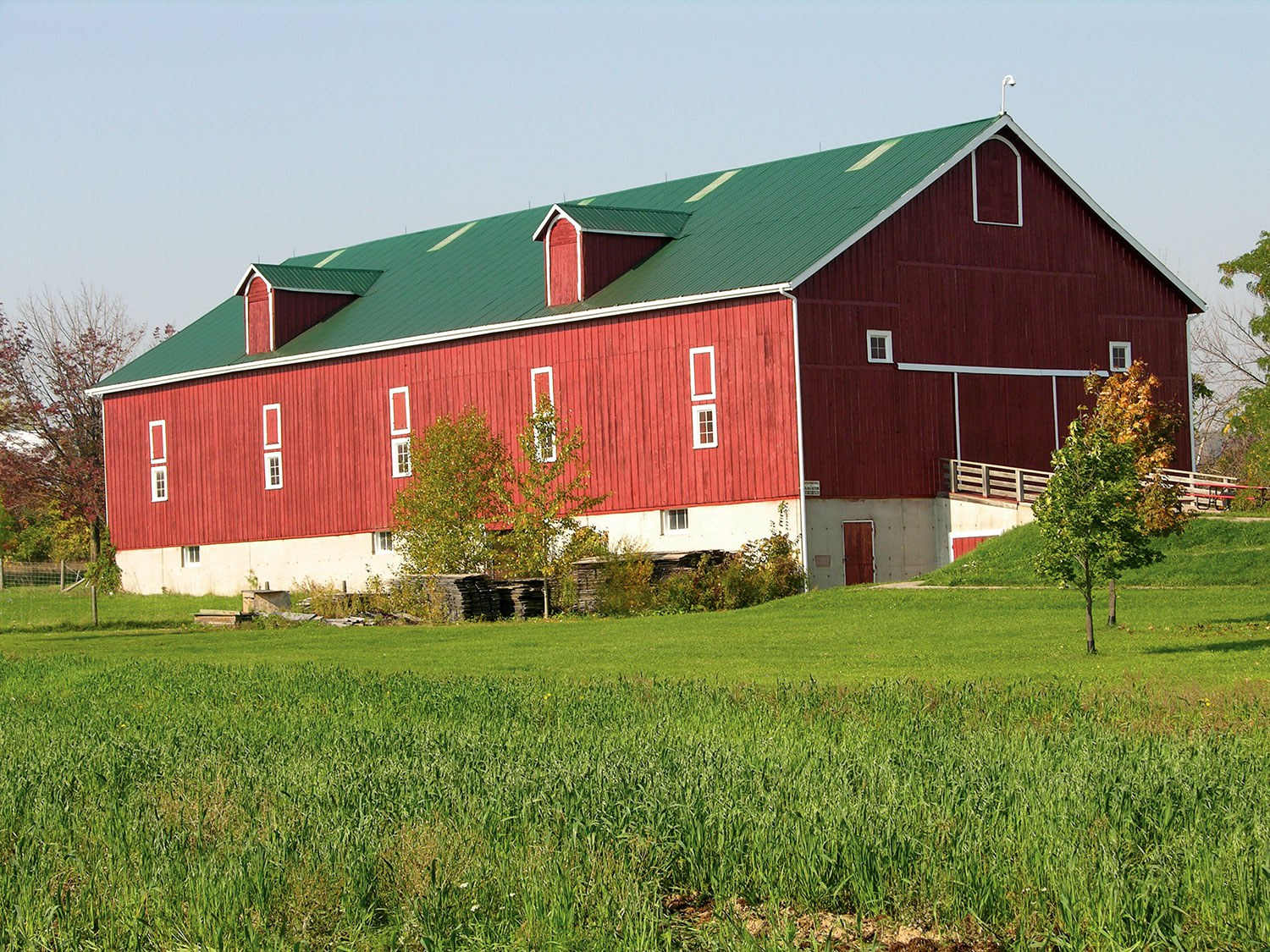The Elliott-Harrop Barn is one of many buildings to explore at Country Heritage Park.